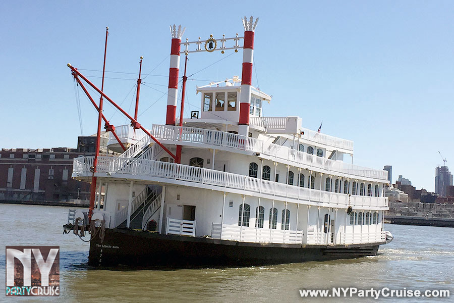 4th of July Cruise - LIBERTY BELLE - NYPartyCruise - www.nypartycruise.com